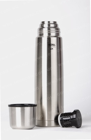 Фото: Термос Thermos Nissan Beverage Bottle 1L