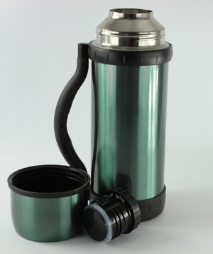 Фото: Термос Thermocafe Beverage Bottle 1L - Metal Green